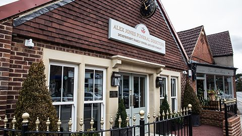 funeral home in lingfield